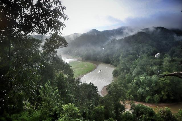 Foto Panorama Sunrise Dari Rumah Pohon Desa Batu Songgan