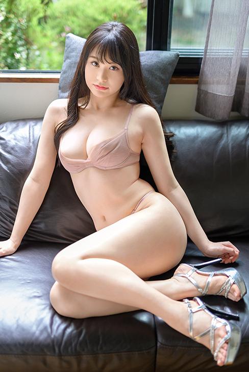 回归!那位迷恋森林原人、形状大小色泽都是极品的H罩杯大奶成了蚊香社专属女优! ...