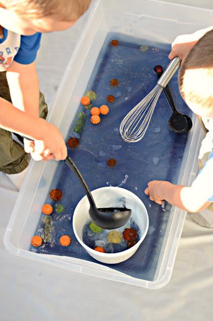 Halloween sensory bin with water