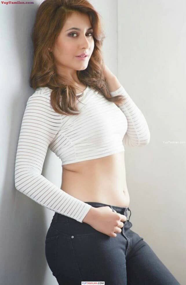Rashi Khanna Sexy Navel Show