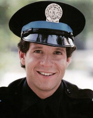 Steve Guttenberg en 'Loca Academia de Policía'