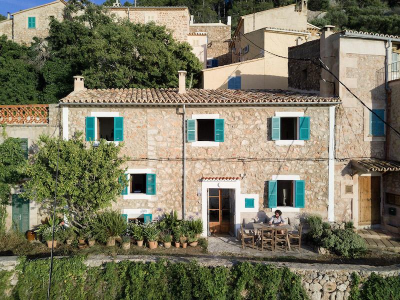 Casa de piedra en Mallorca vista desde fuera