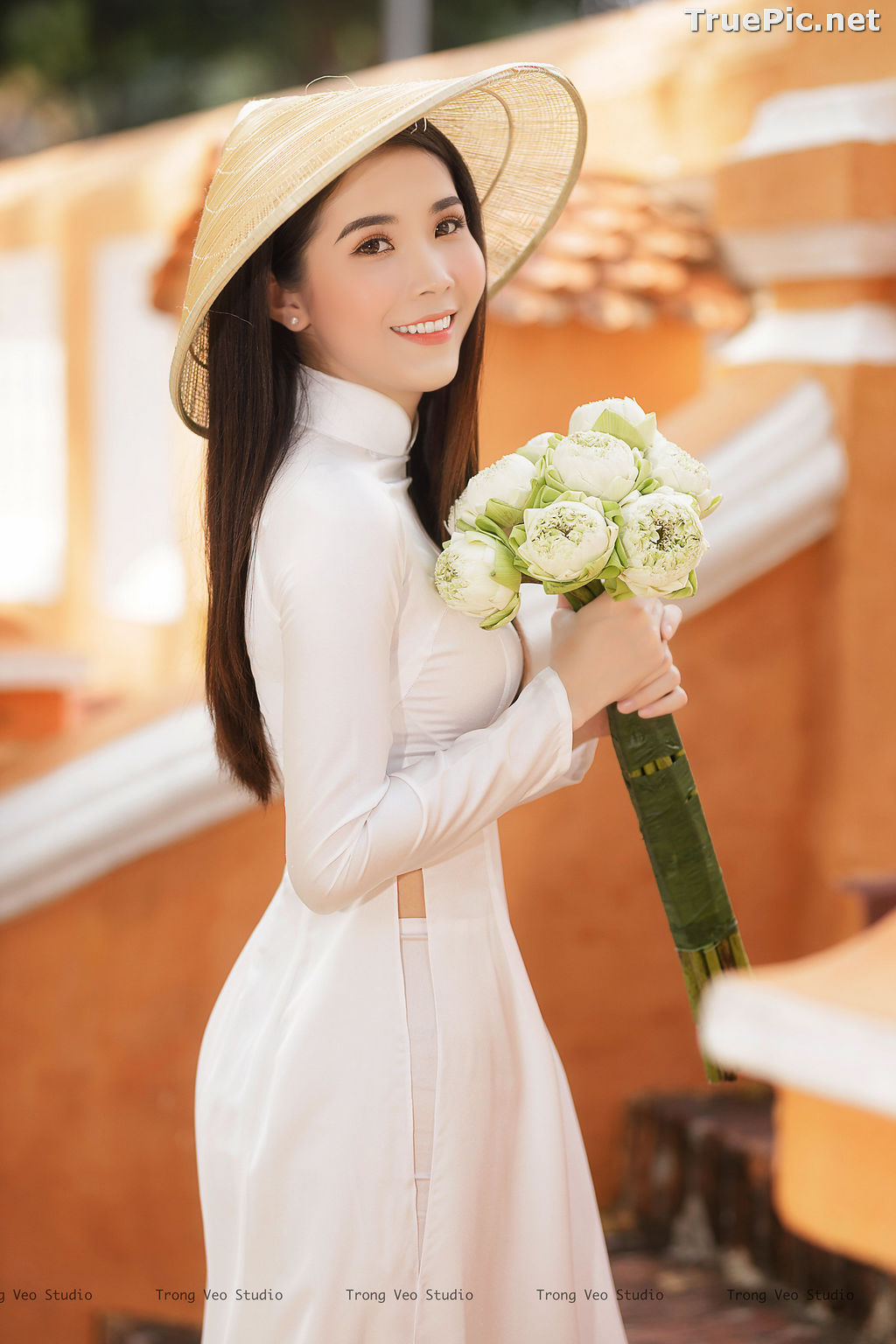 Image The Beauty of Vietnamese Girls with Traditional Dress (Ao Dai) #2 - TruePic.net - Picture-3