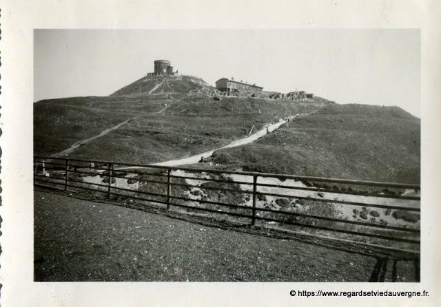 Le Puy de Dôme et son observatoire en 1947