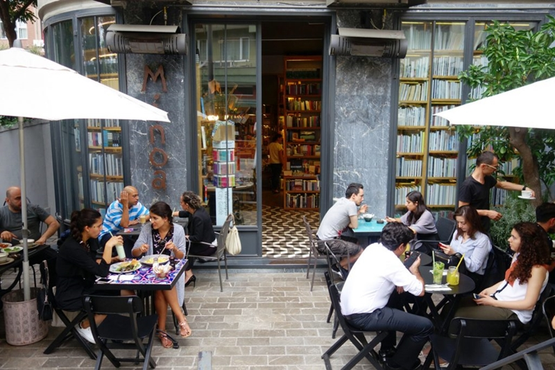 Müşteriler restoranlarda dış mekânda yemek yemeyi istiyor
