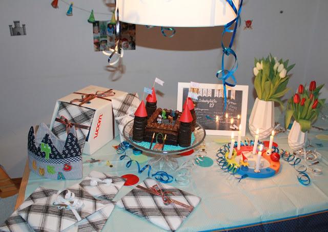 Rittergeburtstag Ritter Geburtstagsgeschenke Kindergeburtstag Mottoparty Ritterburg Tafelrunde Jules kleines Freudenhaus