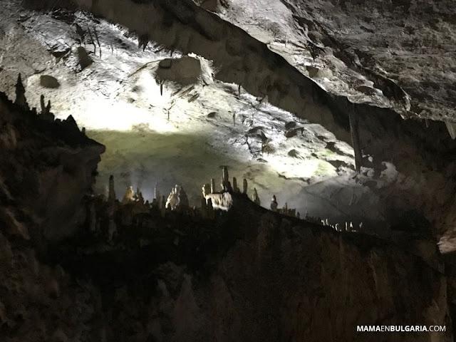 sala el álamo cueva magura bulgaria