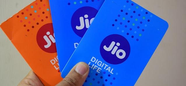 रिलायंस ने नए JioPhone प्रीपेड प्लान लॉन्च किए हैं और कीमत 22 रुपये से शुरू होती है। टेलीकॉम ऑपरेटर ने JioPhone उपयोगकर्ताओं के लिए 22 रुपये, 52 रुपये, 72 रुपये, 102 रुपये और 152 रुपये में 5 नए डेटा रिचार्ज प्लान जोड़े हैं। कंपनी 6GB तक हाई-स्पीड डेटा दे रही है