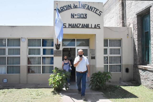 Francisco Madero: Pablo Zurro entregó subsidios a bomberos voluntarios y Jardín de Infantes Nº903