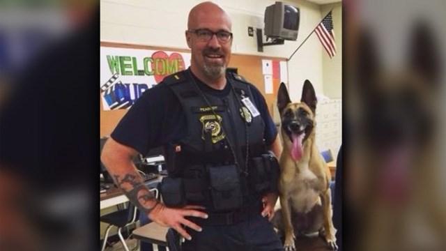 Crimen perro polic a muere terriblemente luego de estar for Encerrado en 4 paredes