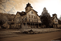 Haunted Houses Castles Mansions Love Explore