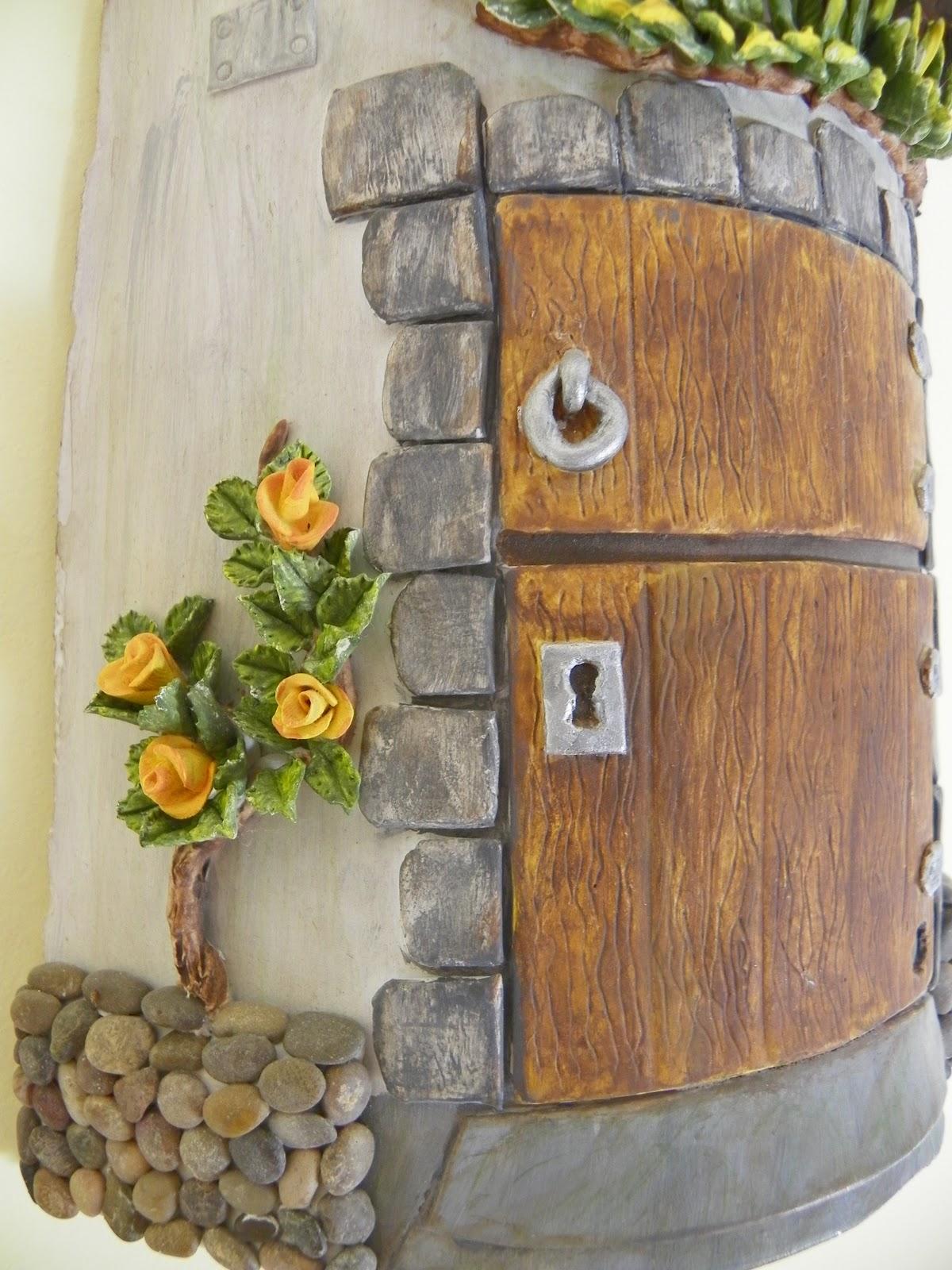 Ideas creativas alyss teja decorativa for Puertas de tejas decoradas