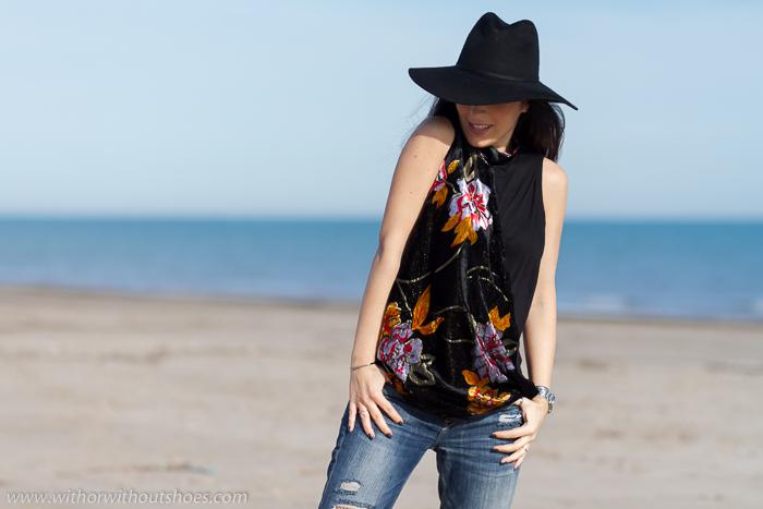 Blogger de moda valenciana con top Desigual