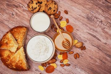وصفة حلوي فطيره بالمهلبيه والبسبوسة وفطيرة اللبن بالعسل اللذيذ