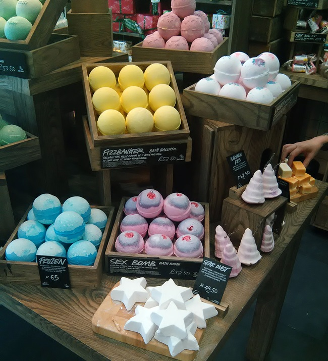 Lush bath bombs available in South Africa, Lush south africa, good lush bath bombs