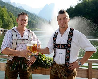 Prost! Trachtenhochzeit in den Bergen von Bayern, Riessersee Hotel Garmisch-Partenkirchen, Wedding in Bavaria