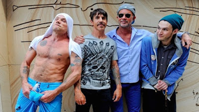 """RED HOT CHILI PEPPERS release new music video for 'Dark Necessities"""" - New album out now"""
