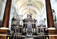 Woźniki - Klasztor Franciszkanów - w kościele - ołtarze