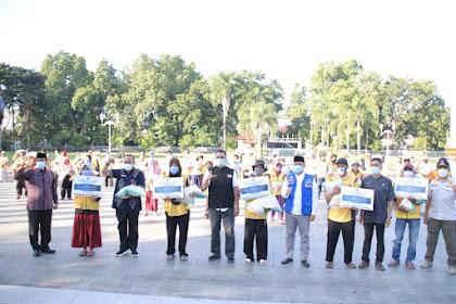 Sambut Hari Raya Idul Fitri, Gubernur NTB Serahkan Bantuan Sosial Kepada  958 Pasukan Kuning