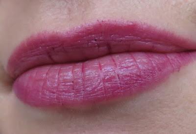 s.he_stylezone_colour_and_shine_lip_balm