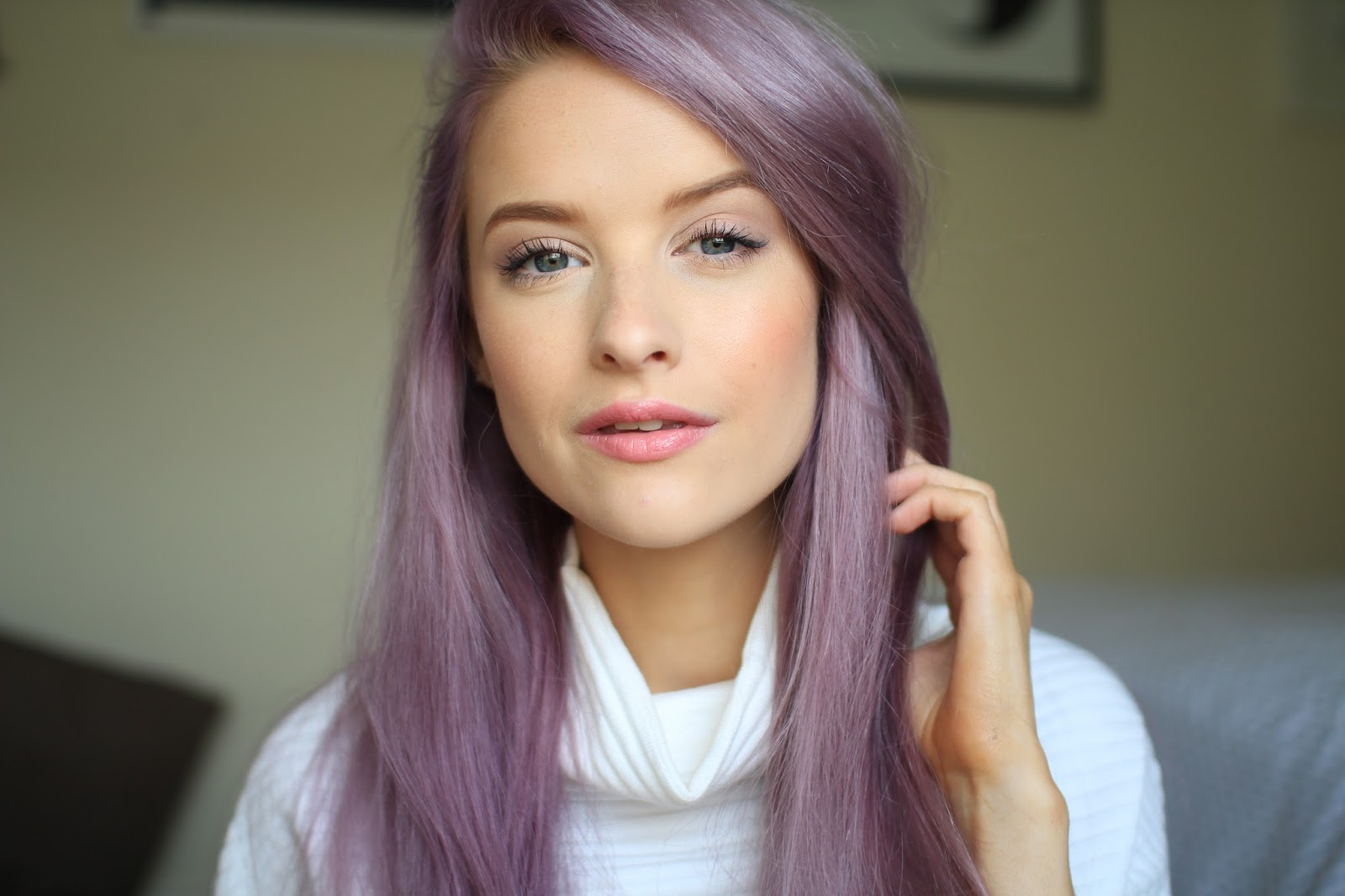 Chanel Rouge Coco Shine In Romance Inthefrow