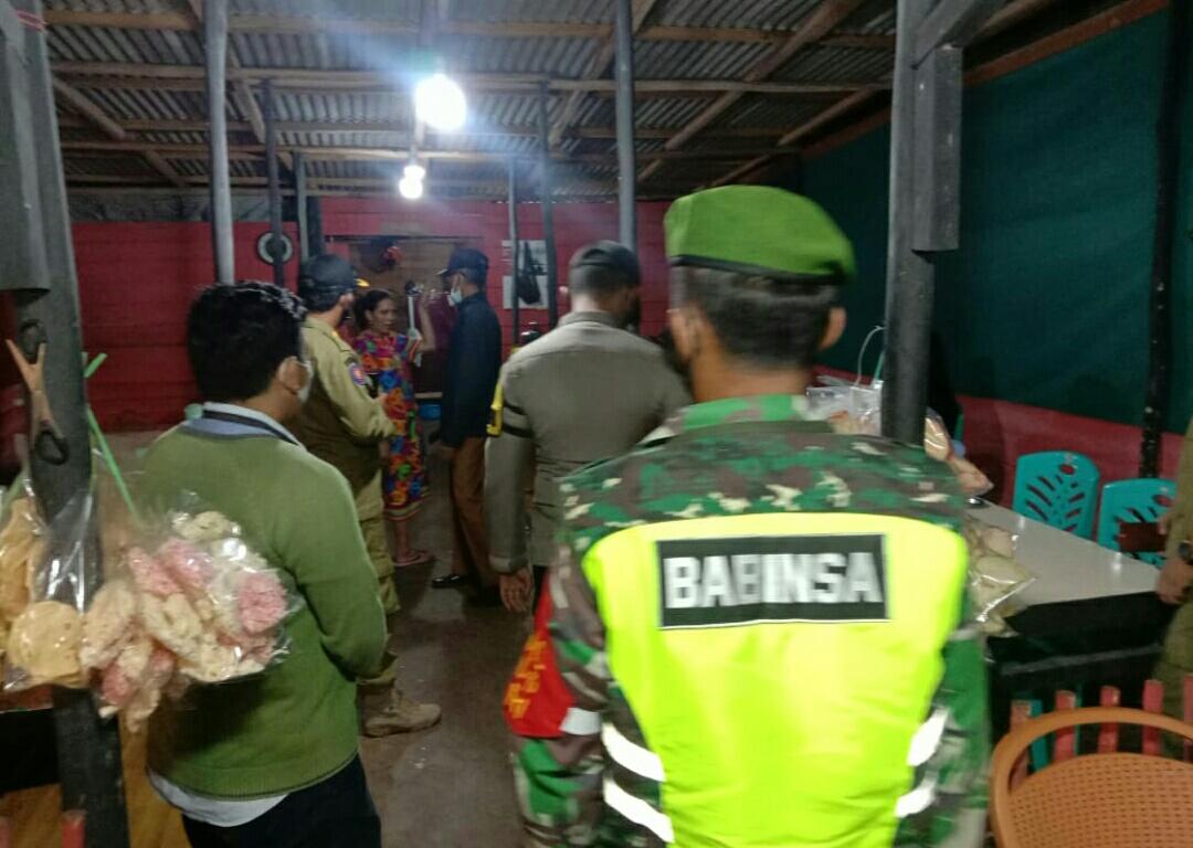 Danramil 01/Ranai Pimpin Patroli Untuk Pengamanan dan Kenyamanan di Malam Perrgantian Tahun Baru