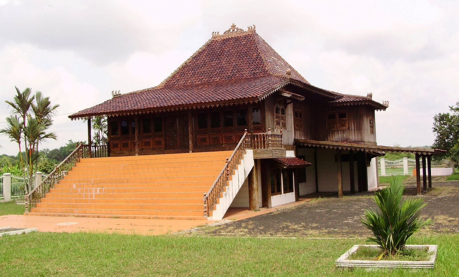 Rumah Adat Sumatera Selatan Rumah Adat Indonesia