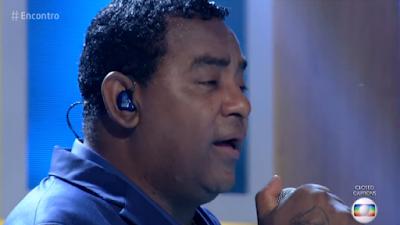 Vídeo: Vocalista do Raça Negra faz comentário machista e é repreendido por Fátima Bernardes
