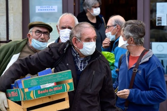 Coronavirus: France to make masks compulsory on public transport