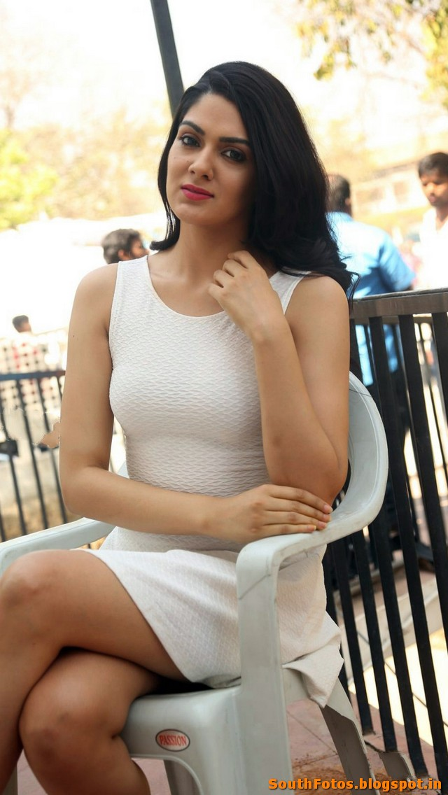 Sakshi Chaudhary HD Hot Photos