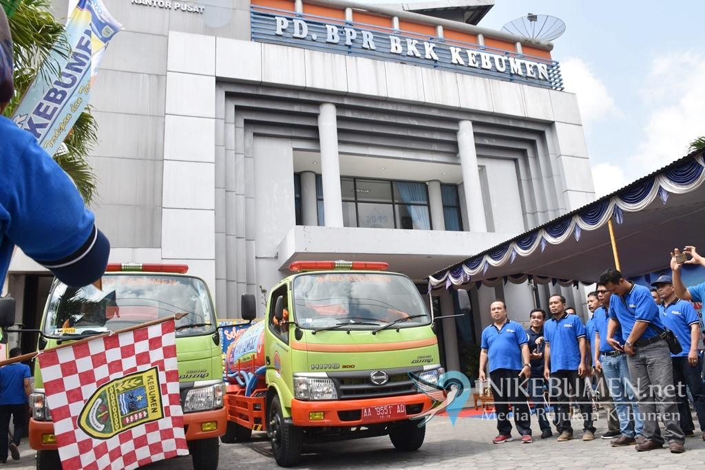 Rayakan HUT ke-11, PD BPR Kebumen Salurkan Bantuan 50 Ribu Liter Air Bersih