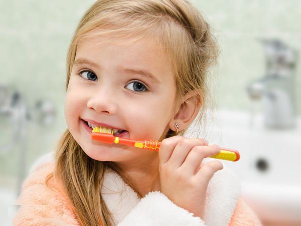 Trẻ em bị sâu răng sữa phải làm sao?