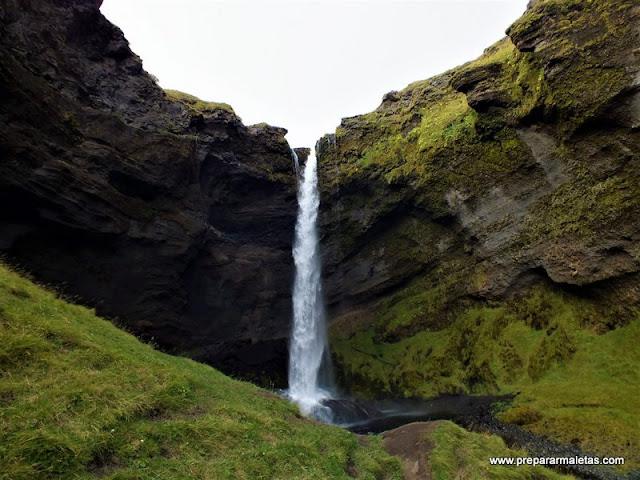 cascadas poco conocidas que ver en Islandia
