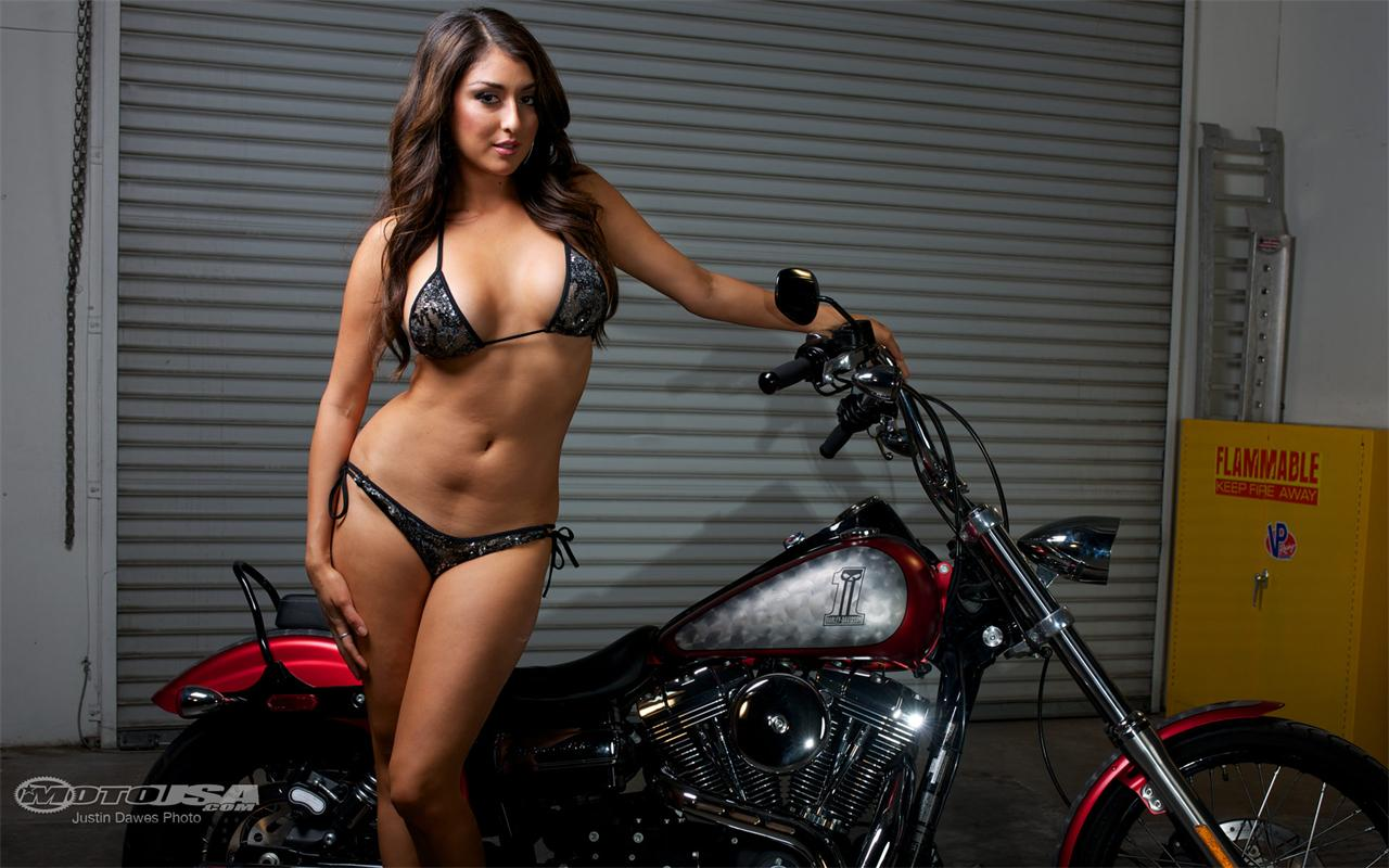 Beautiful Girl Pictures Wallpaper Group Of Models Wallpaper Motorcycle
