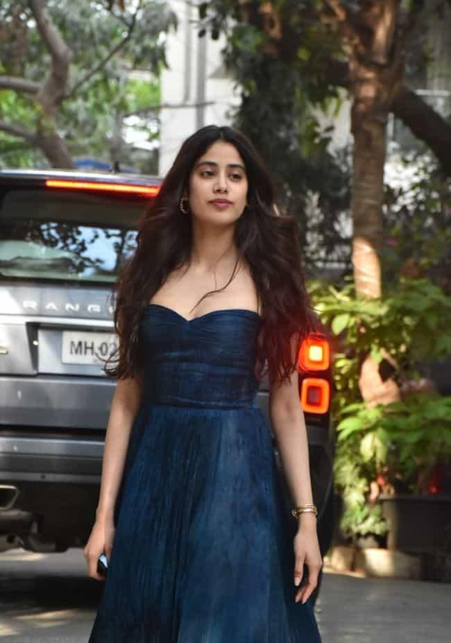 Actors Pics: Janhvi Kapoor Looking In blue long dress