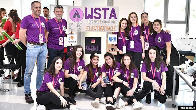Equipo Women's Space Technology Agency del colegio El Regato