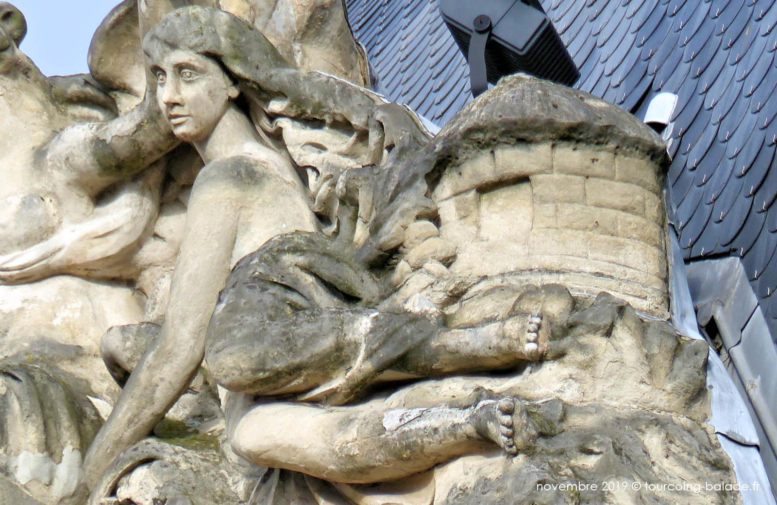 Hôtel de ville Tourcoing - Sculpture du Fronton