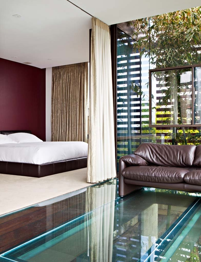 Glass floor in the bedroom of Modern Contemporary Ettley House