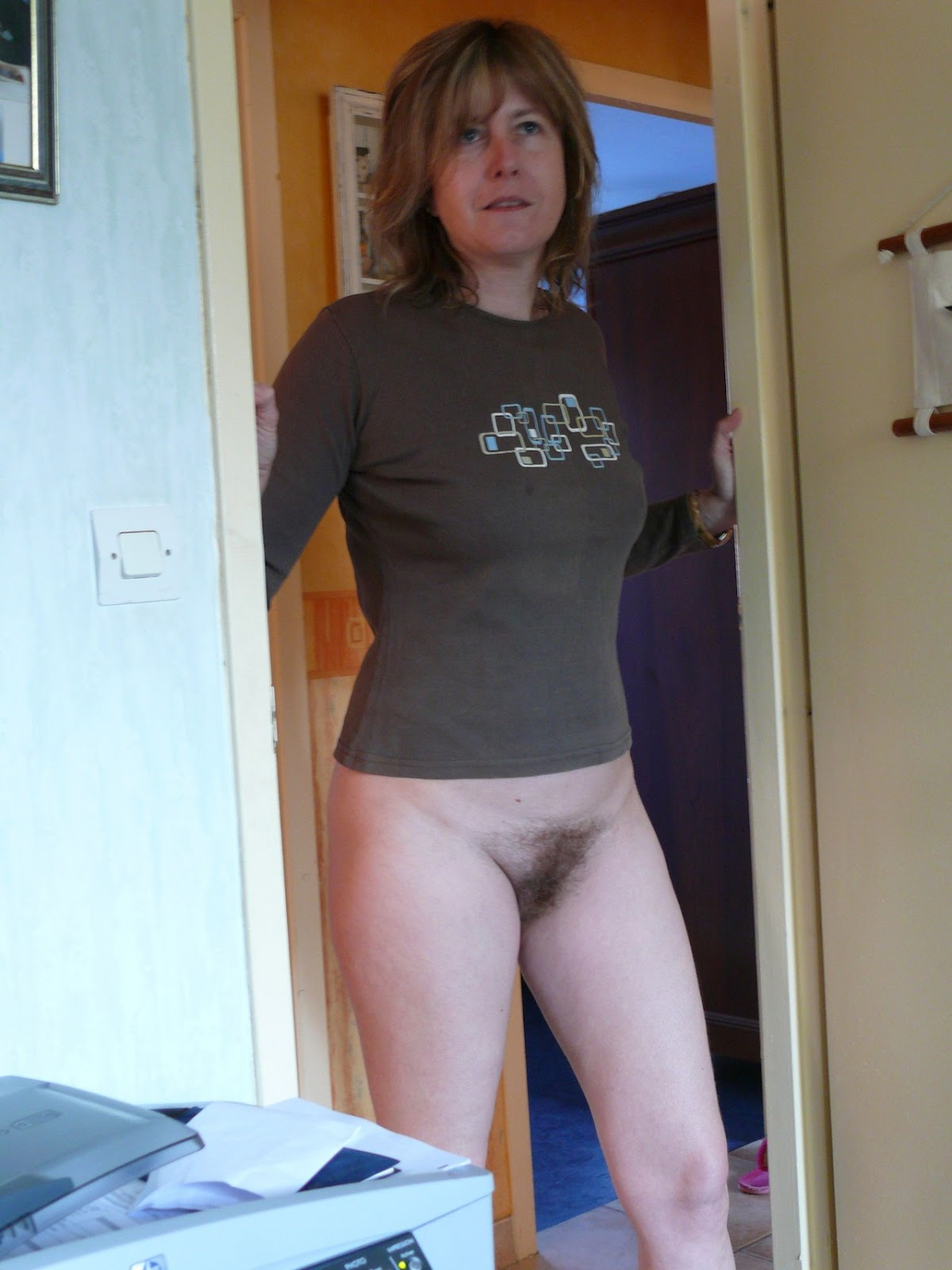 Bottomless hairy mature moms apologise