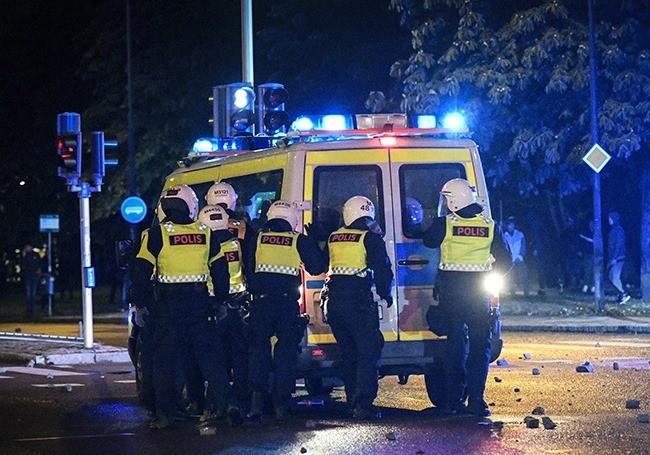 Suède : la mafia gangrène les banlieues du royaume «Comme partout en Europe la cause est la même...!»