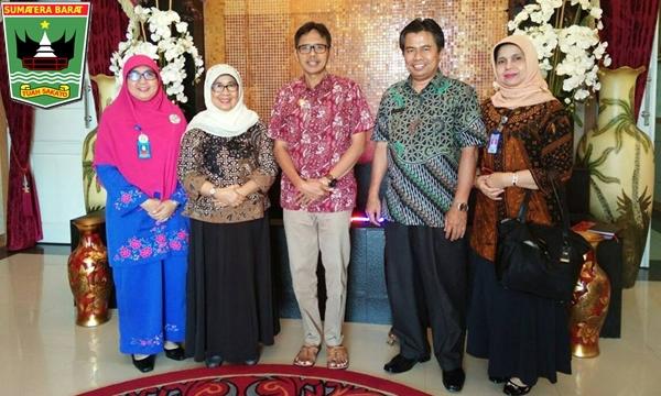 Gubernur Irwan Harapkan RSUD Tingkatkan Pelayanan