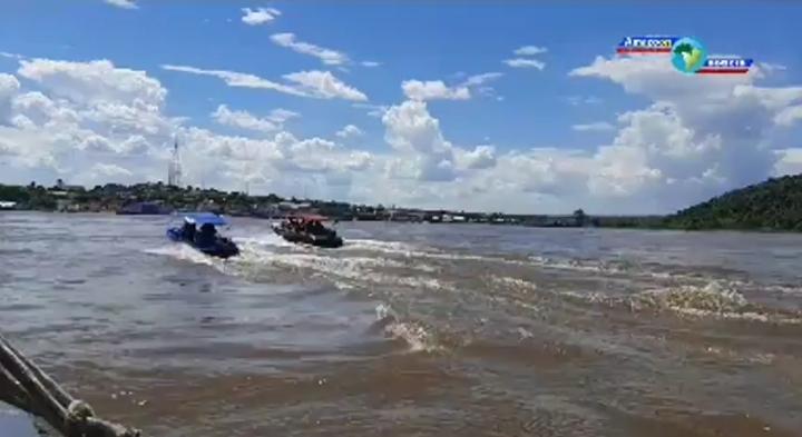 Equipes de buscas encontram corpo do adolescente Cristiano da Silva que estava desaparecido no rio amazonas em Óbidos.
