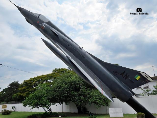 Close-up do Monumento FAB Mirage III - PAMA-SP - Santana - São Paulo