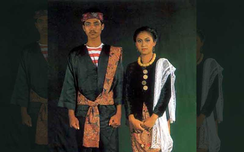 Baju Pesaan Khas Madura
