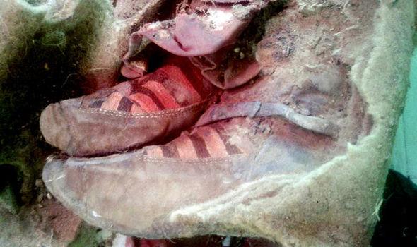 Bukti Perjalanan Waktu? Mumi Berusia 1.500 Tahun Mengenakan Sepatu Adidas?
