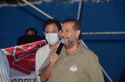 Carlos Lupi mobiliza militância ao saudar a candidatura de Guto em Olinda