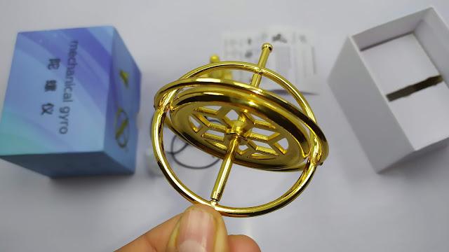 الجايروسكوب - لعبة تعليمية للاطفال - ظاهرة علمية غريبة Educational Metal Finger Gyroscope Gyro