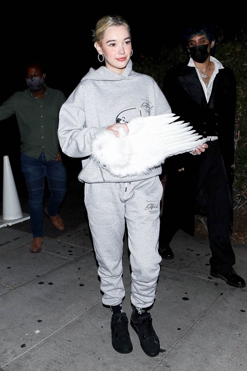 Sarah Snyder Leaves a Halloween Party in Los Angeles 31 OCt -2020