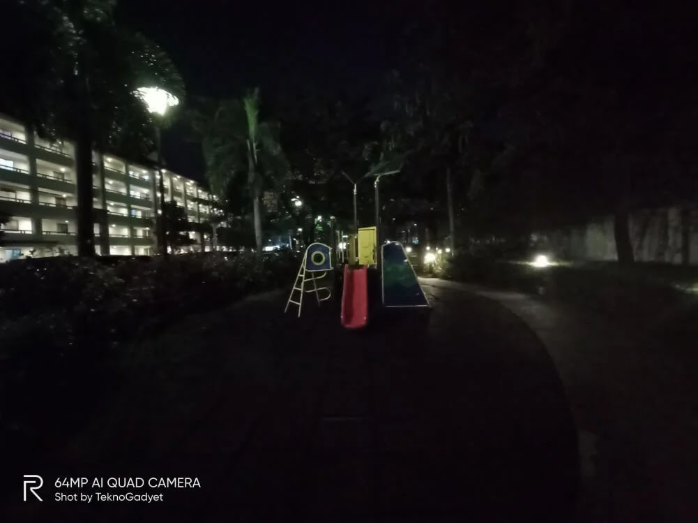 Realme Camera Sample - Slide, Night, Ultrawide