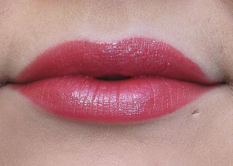 Coco Chanel Lippenstift : femme fatale swatches chanel rouge coco shine ~ Watch28wear.com Haus und Dekorationen
